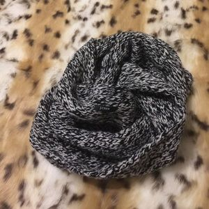 J Crew Chunky Wool Infinity Scarf