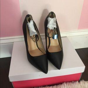 Jaslene Heels