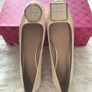 d3a85fe7a6b2 Tory Burch Shoes - New Tory Burch Twiggie Mismatched leather Pumps