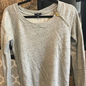 GAP crewneck sweatshirt with zipper detail