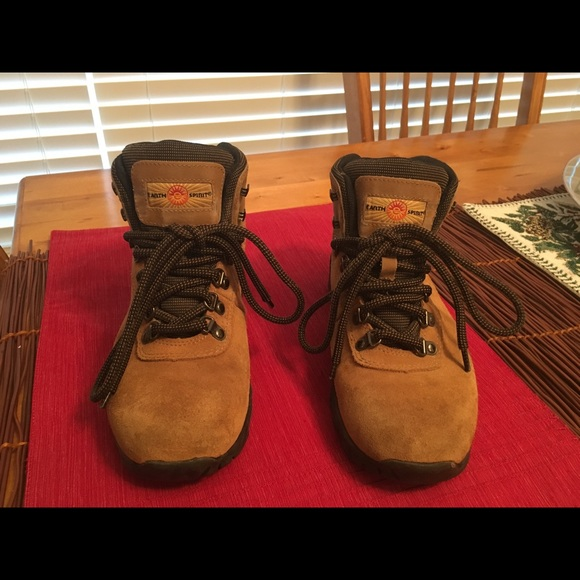 103d1df3350 ⛰ Earth Spirit Camel/Brown Hiking Boots 🛶