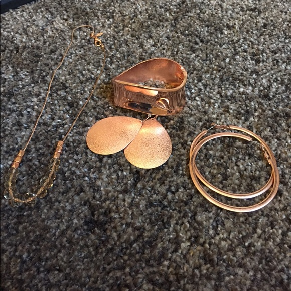 66 off Express Jewelry 4 piece Express rose gold jewelry from