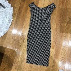 Tight off the shoulder classic dress with detail