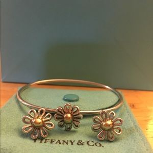Tiffany and Co. Picasso Daisy Earing & Bracelet