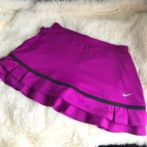 Nike dry fit scort