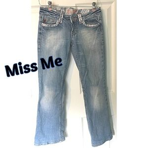 Miss Me Reno Light Lace Jeans 28 Blue Distressed
