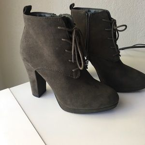 Forever 21 lace up heeled bootie