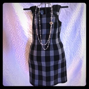 Classic black and white checked dress!