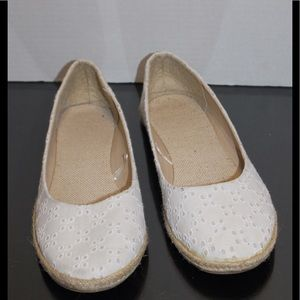 Old Navy XL Flats 11in. Bottom