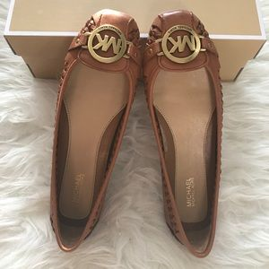 New MK moccasin woven leather flats 7M