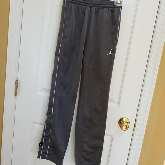 Boys Air Jordan workout pants 70263a9f66f0