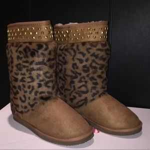 Shoes - NEW Leopard and tan boots with gold studding