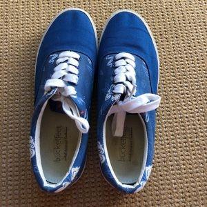 Men's blue Bucket feet shoes