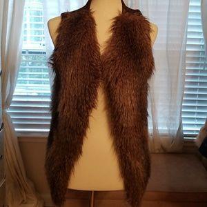 NY&Co. Brown Faux fur sweater vest sz M
