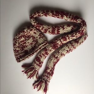 Hand knit hat/scarf