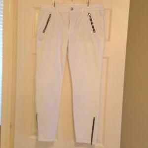 White skimmer jean