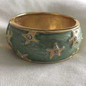Adorable Rhinestone Starfish Bracelet