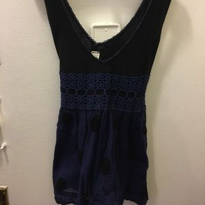 Super cute black and navy top
