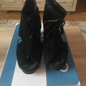 Jeffrey Campbell Mary rocks black suede wedge