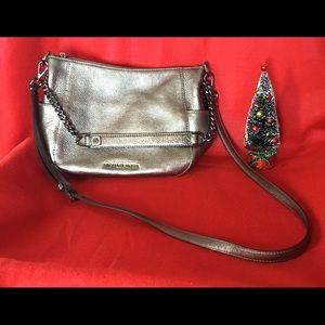 🌹Stunning Michael Kors Taupe Bag