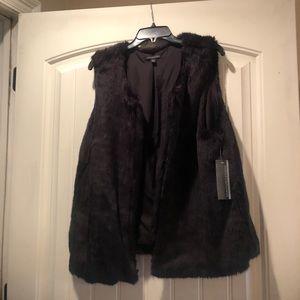 Signature Studio Black Cozy Vest