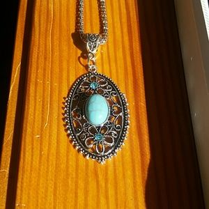 Turquoise /Silver Necklace w/pendant