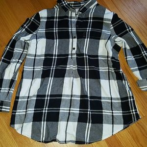 Old navy maternity flannel