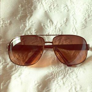 Burberry copper metal square sunglasses 🕶