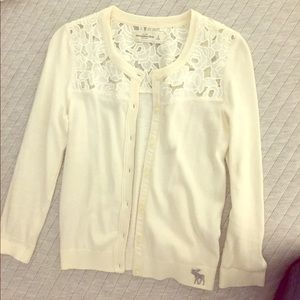 Ivory Abercrombie & Fitch cardigan Size SM