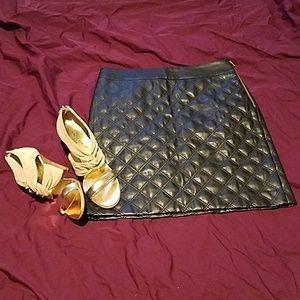 💎NWOT Faux leather mini skirt💎