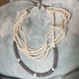 Pearly silver necklace