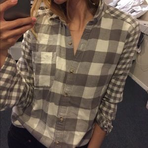 Hollister XS grey white flannel button down shirt