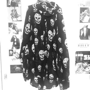 Tops - Skull sheer top great for Halloween