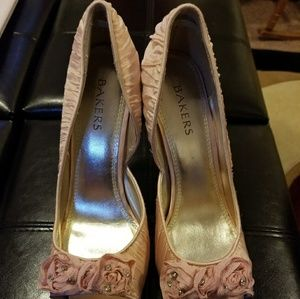 Bakers Pink Flower Stilettos Sz 8 New w/out Tags