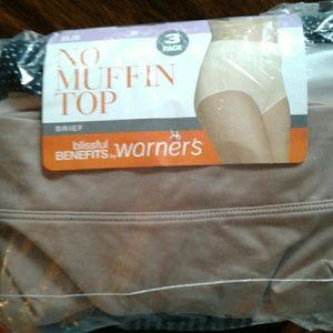 Warner' s  no muffin-top briefs