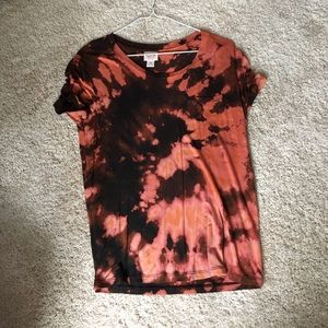 Tie dyed cure basic shirt