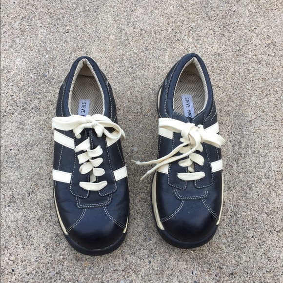 59cc238836b Early 200's Steve Madden Bowling Style shoes