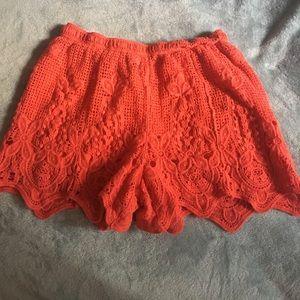 Cute coral shorts. 🍑