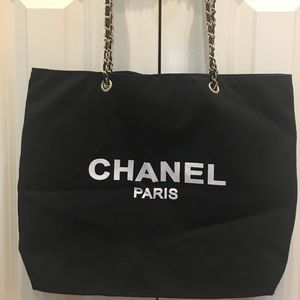 AUTHENTIC CHANEL VIP GIFT TOTE BAG