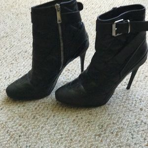 Burberry black quilted Booties