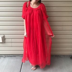 Darling VINTAGE nightgown and robe