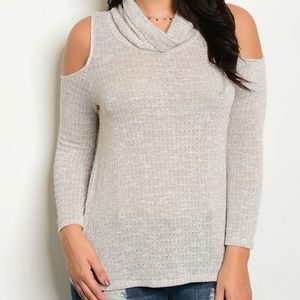 LAST ONE! PLUS oatmeal cold shoulder top