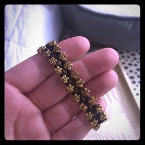 Adjustable floral beaded bracelet