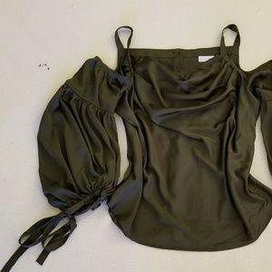 NWOT! NY&Co. Cold shoulder blouse