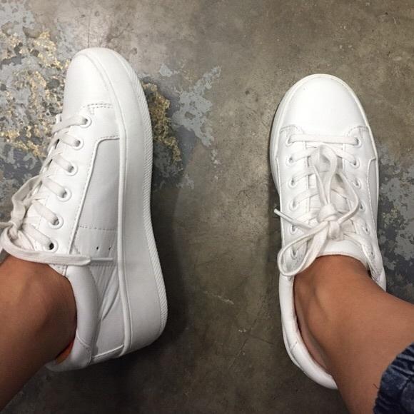9ad57b8f770 Steve Madden Bertie Platform Sneakers