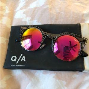 QUAY Pink Geometric Mirrored Sunglasses!