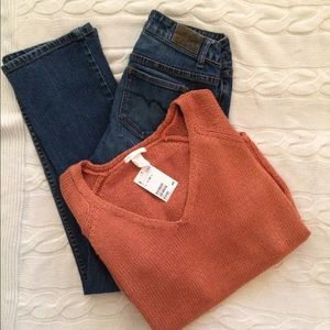 NWT H&M V Neck Sweater