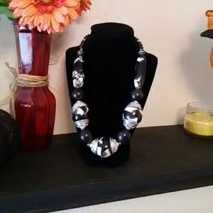 Bulky black and White Beaded Necklace