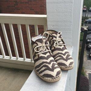 Michael kors women sneakers flat shoes 6.5
