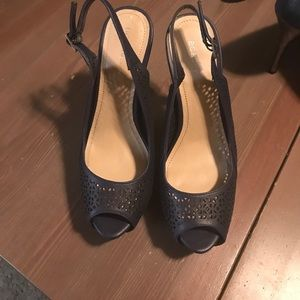 Cute navy BCBG heels